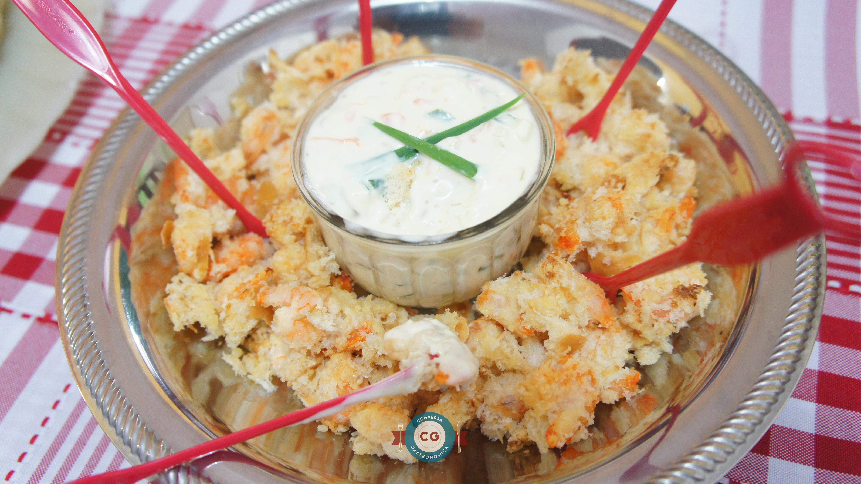 Molho tártaro com iogurte grego e ingredientes frescos