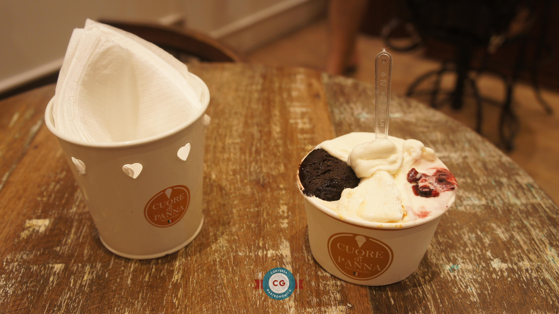 Gelato com 4 sabores: Crema Caramello (creme com caramelo), Extra Black (chocolate amargo), Vaniglia (baunilha) e Yogurt Fior di Bosco (iogurte com frutas vermelhas)