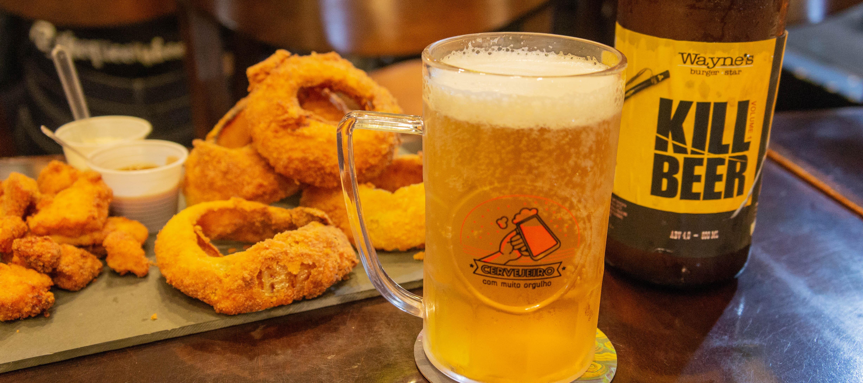 Wayne's escala time de sanduíches e cervejas artesanais para a Copa 2018