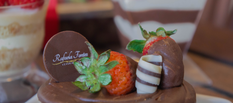 Festival de morango celebra aniversário de Rafaela Fontes Chocolateria