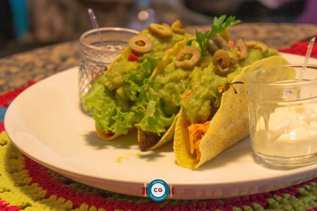 Comida colorida e mexicana na Casita de Frida
