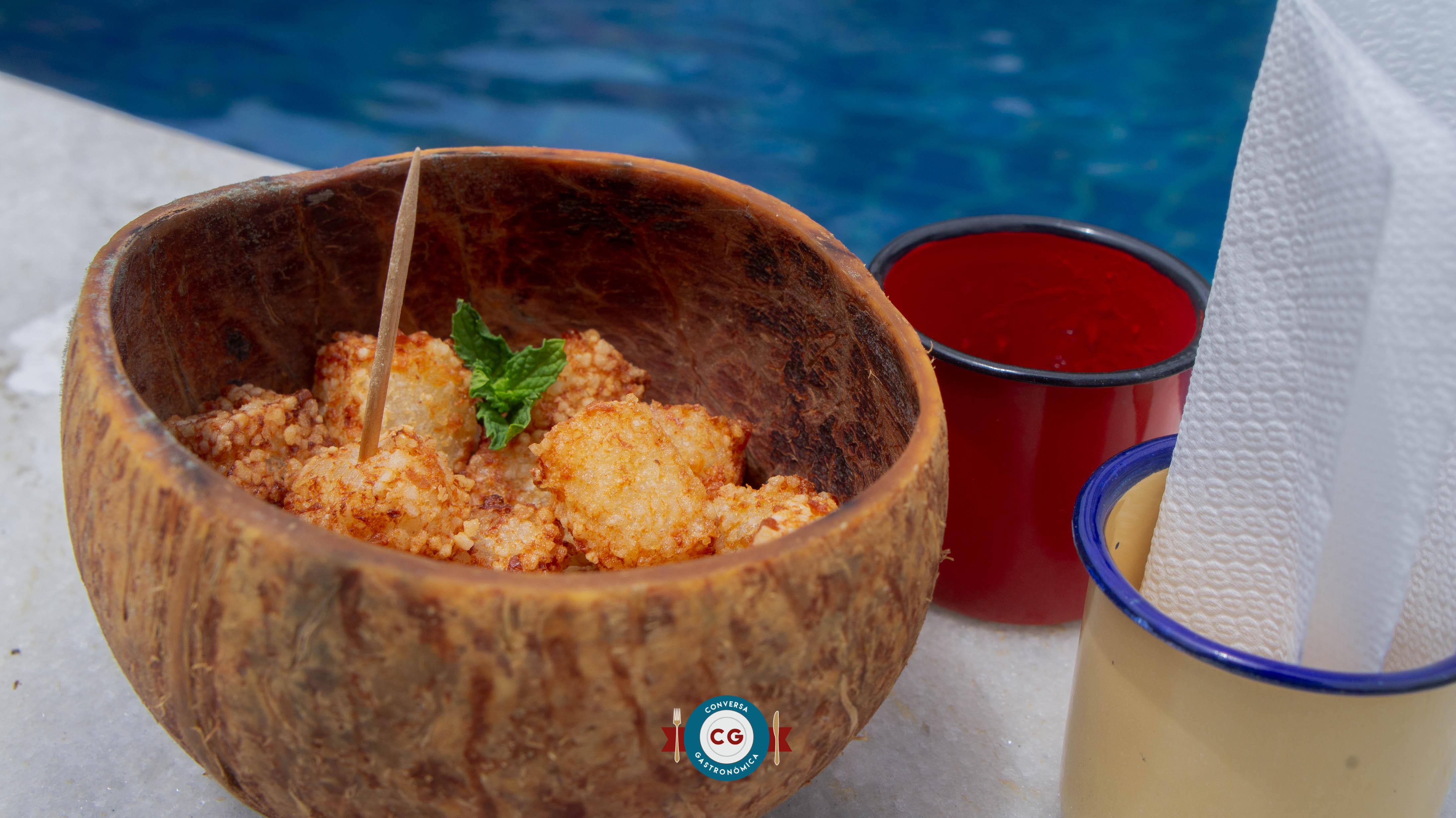 Day use em Ponta Negra tem petiscos e bowls refrescantes